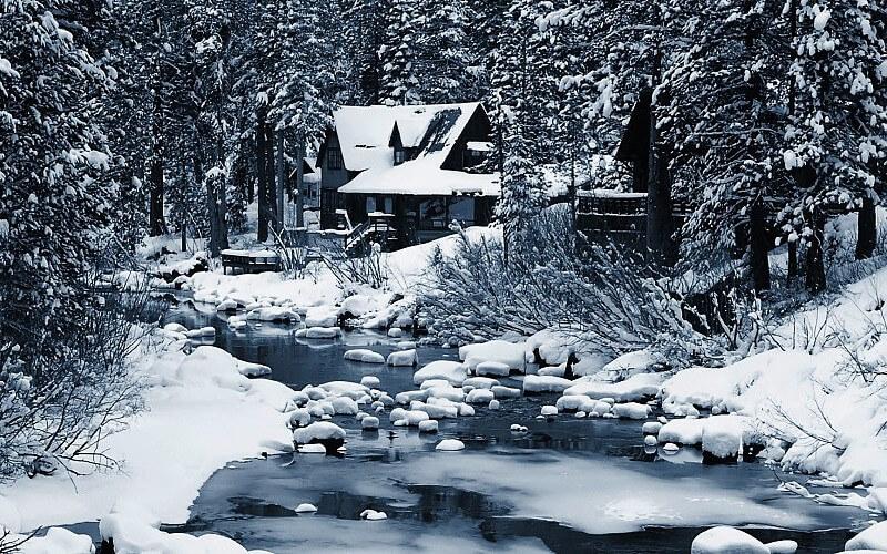 Paisaje de nieve fotografiado en invierno