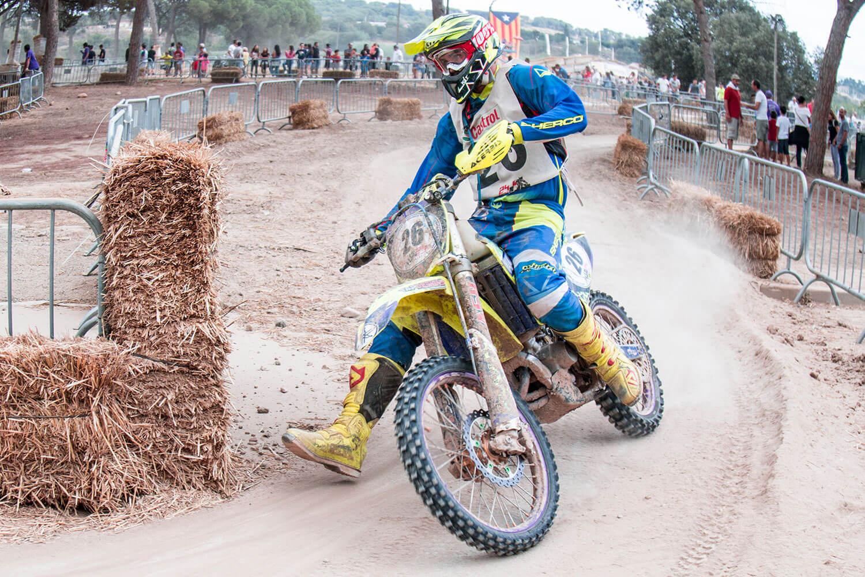 Competición enduro de motos