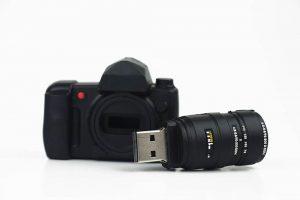 Usb en forma de cámara para almacenar las fotografías
