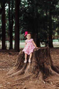 Reportaje fotográfico infantil en exterior en Dosrius