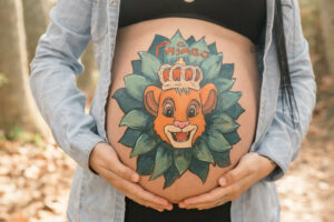 Dibujo pintado barriga embarazo Granollers